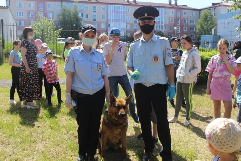 Сотрудники полиции Югорска устроили для детей и подростков с ограниченными возможностями незабываемое мероприятие