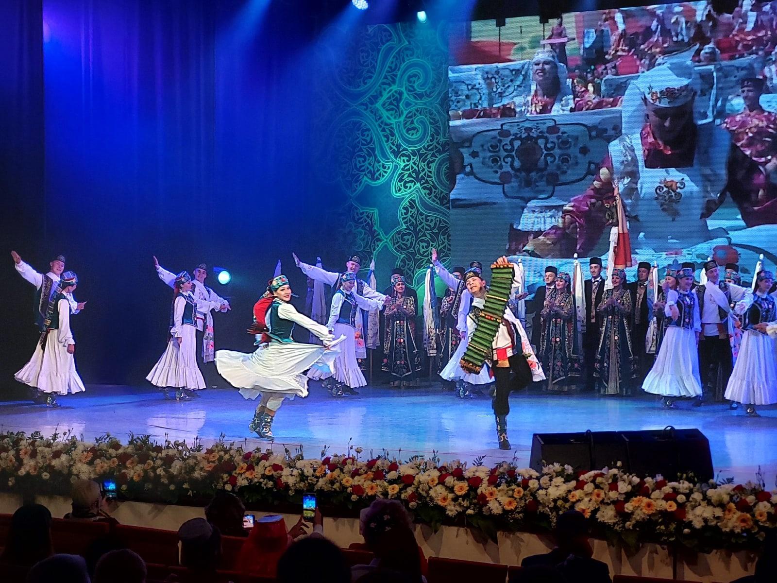 Губернатор Югры Наталья Комарова приняла участие в торжественной церемонии открытия XXI федерального Сабантуя, стартовавшего 18 июняв Нижневартовске.