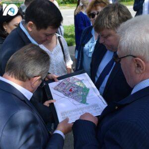 На территории избирательного округа № 6, напротив дома на улице Механизаторов, 9А должен появиться сквер: комиссией решено подготовить его схему.