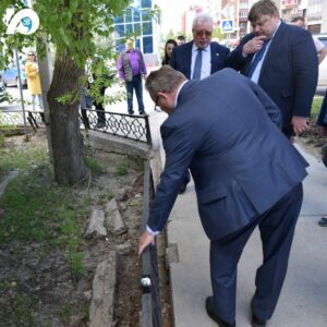 Ограждение на перекрестке улиц Ленина и Механизаторов (территория избирательного округа № 6) нуждается в ремонте.