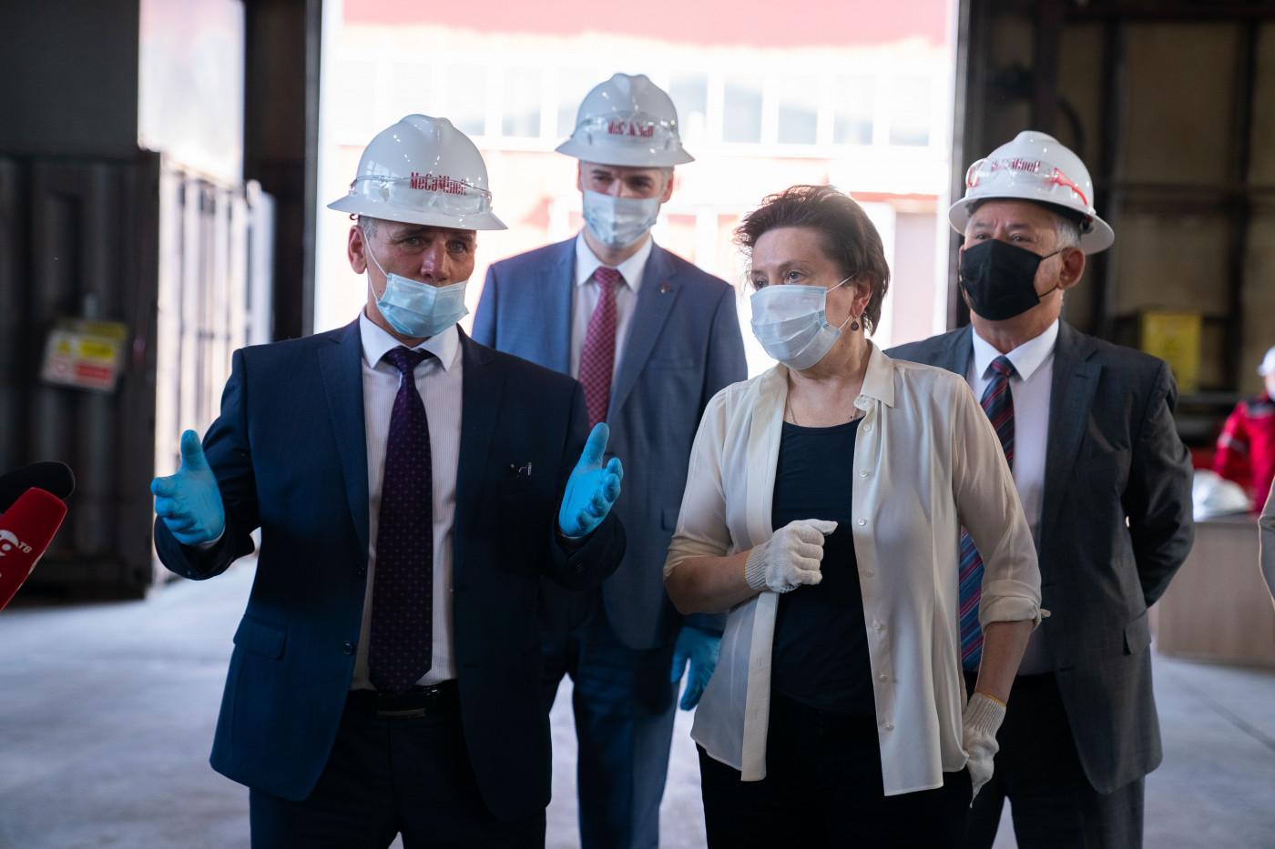 Предприятие «МеКаМинефть» посетила в ходе рабочего визита в Мегион губернатор Югры Наталья Комарова.