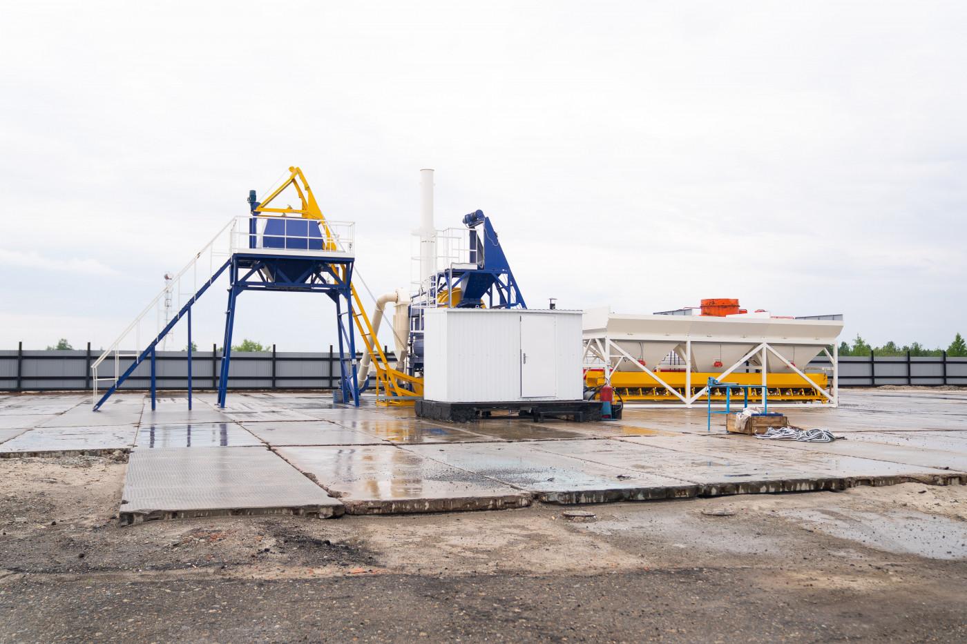 Асфальтобетонный завод «МАЗ-20» представили губернатору Югры Наталье Комаровой в Радужном в ходе рабочего визита в муниципалитет.