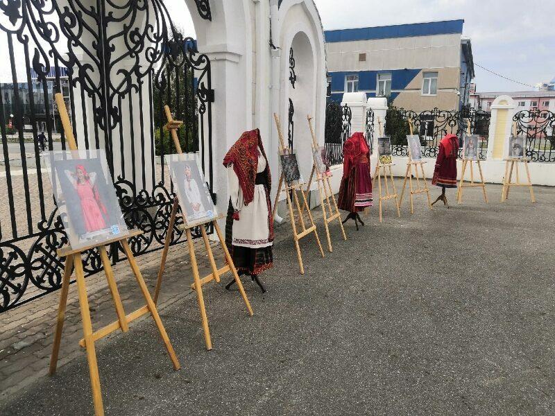 18 июля 2021 г,на престольном празднике, в день памяти преподобного Сергия Радонежского при кафедральном соборе, работалапередвижная выставка «Красота как традиция».