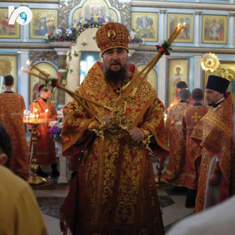 2 мая христиане отпраздновали Пасху. Пасха является одним из главных праздников христианского мира. Год назад из-за пандемии в столь важный для православных день храмы были пусты, но в этом году прихожане пришли на богослужения.