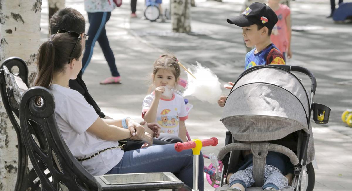 Югорчане могут задать вопросы по новым выплатам семьям с детьми в едином федеральном call-центре