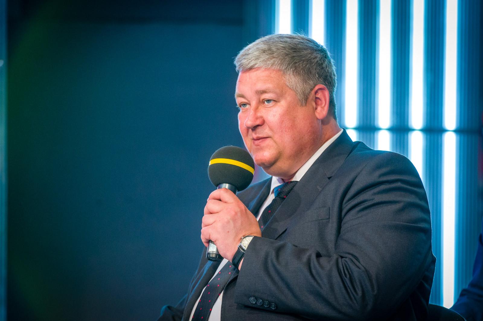 Заместитель губернатора Югры Андрей Зобницев с 27 июля покидает пост по собственному желанию. Соответствующее распоряжение подписала сегодня глава региона Наталья Комарова.