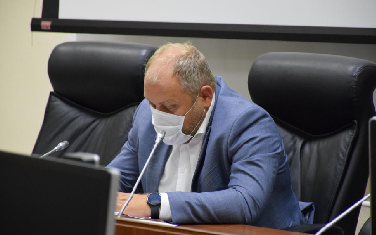 Первый заместитель главы города Дмитрий Крылов провёл заседание муниципального оперштаба. Эпидситуацию по Covid-19 и меры, принимаемые для ее стабилизации обсудили на заседании.