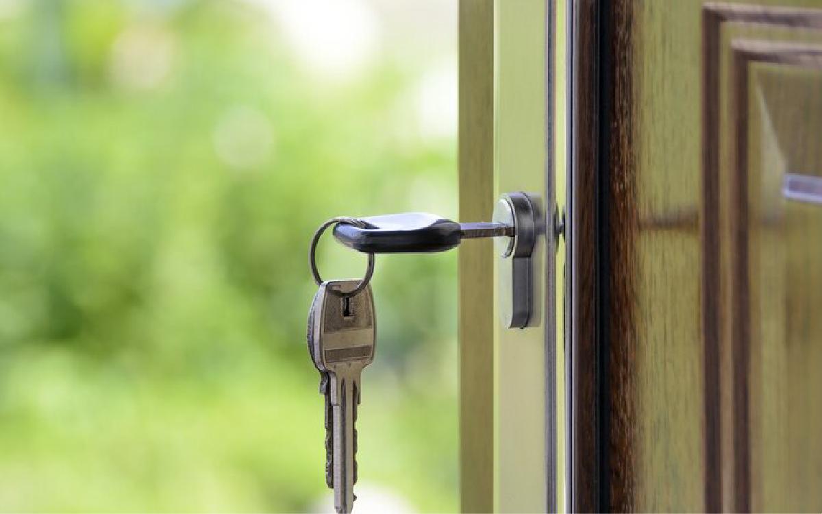 Жители Пионерского получили новые квартиры для переселения из аварийного жилья