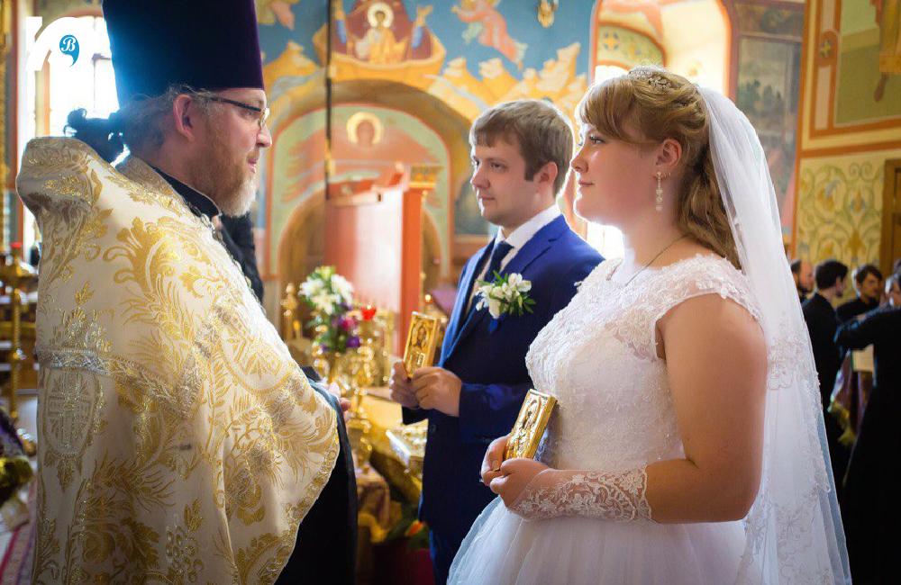 Артур и Алена прошли таинство венчания в тот же день, что и заключили брак.