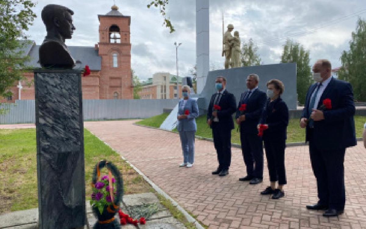 Память Героя России Александра Бузина почтили в Советском районе