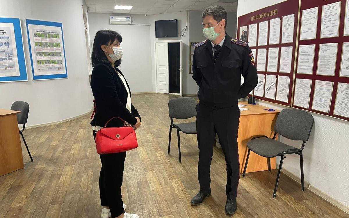 В Югорске Общественый совет проверил работу регистрационно-экзаменационного отделения Госавтоинспекции