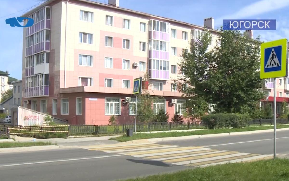 ДТП с участием несовершеннолетних произошло в Югорске 3 августа. Двое детей пересекали проезжую часть по нерегулируемому пешеходному переходу, где на них совершил наезд водитель 1974 г.р.
