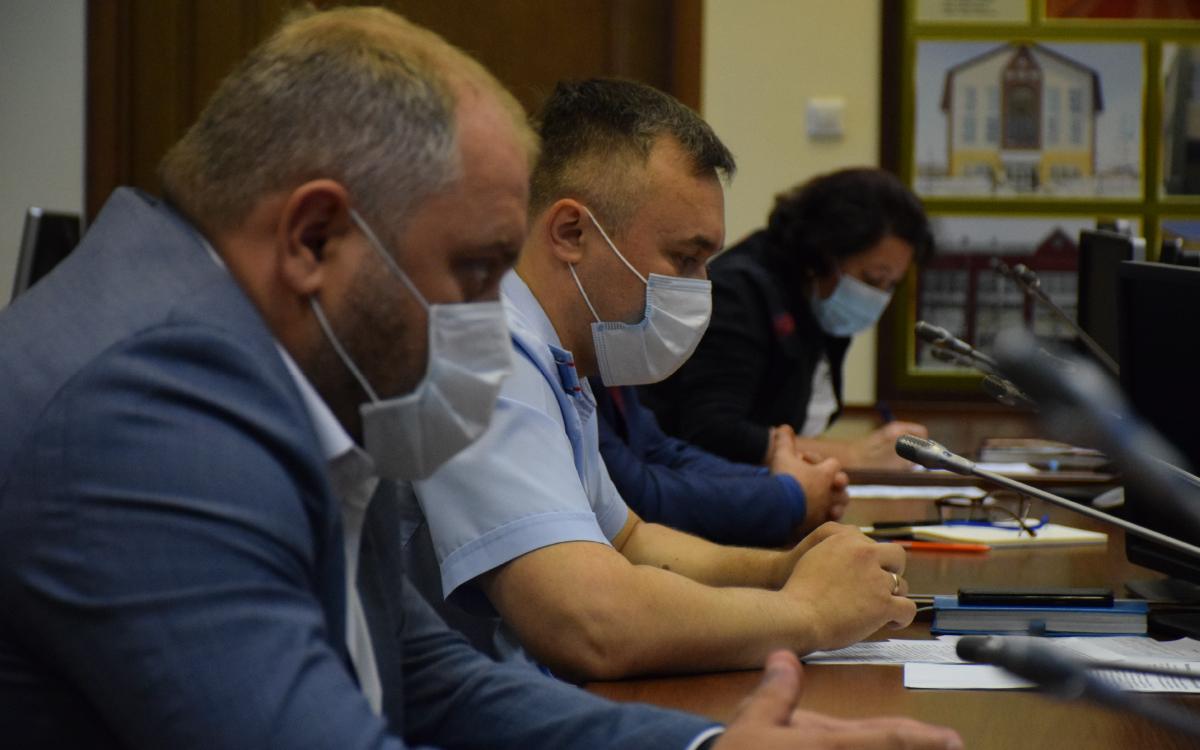 Накануне, в Администрации города Югорска состоялось совещание с главой города и управлением внутренней политики и общественных связей.
