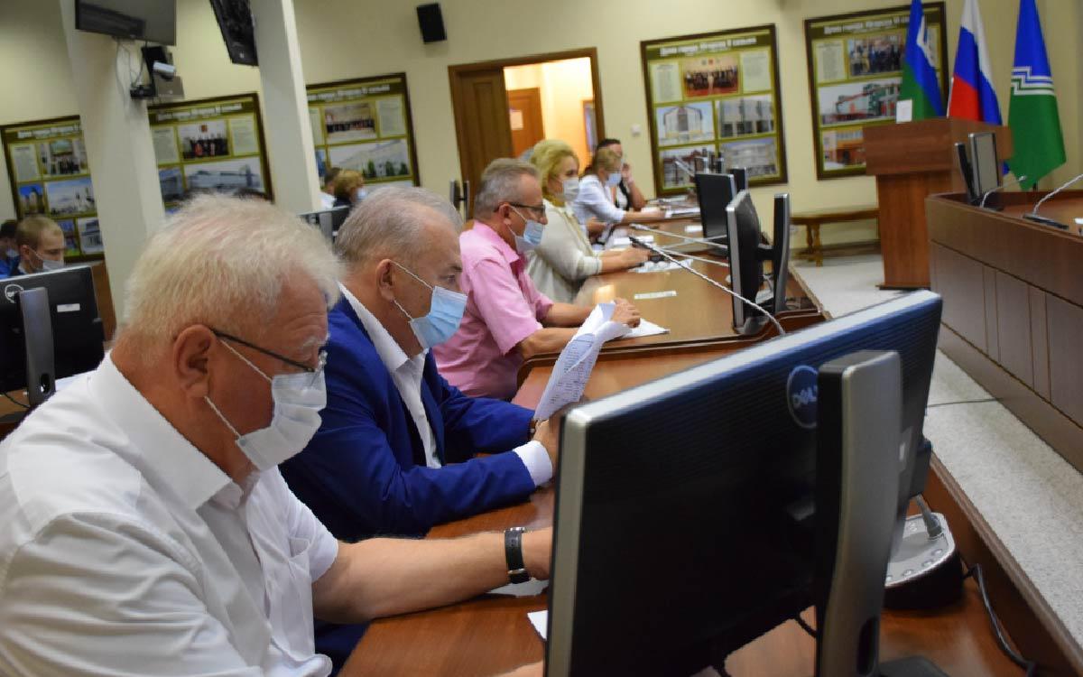 Об этом сказал глава ЮгорскаАндрей Бородкинна заседании Оргкомитета по подготовке и организации Дня города и Дня работников нефтяной и газовой промышленности.