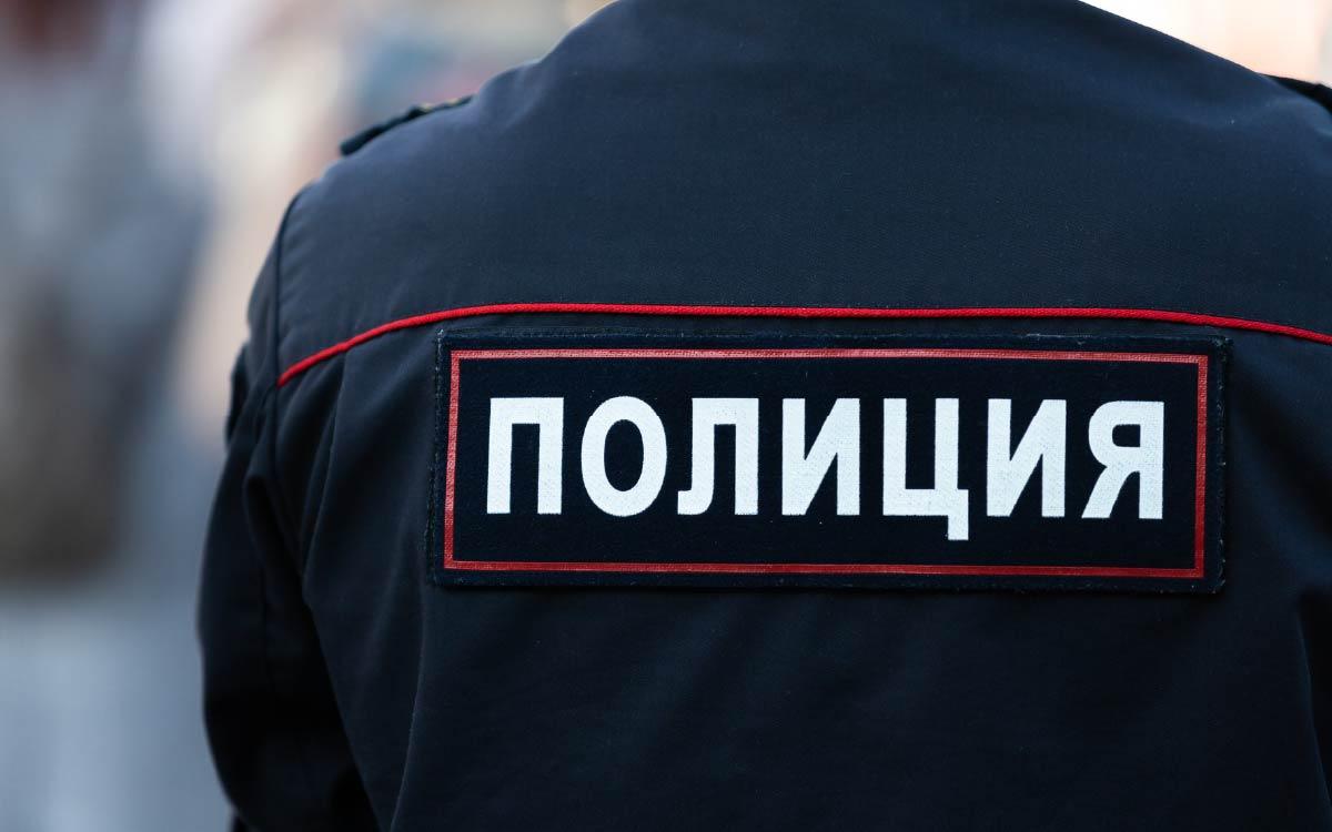 В конце июня текущего года в дежурную часть города Югорска обратился 47-летний местный житель с сообщение о том, что неизвестный мужчина нанес множественные удары потерпевшему.