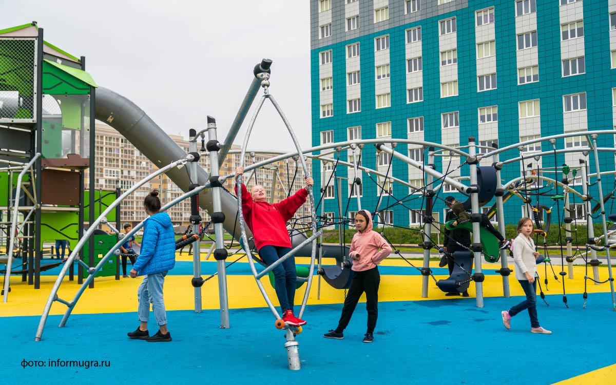 Объекты благоустройства в Ханты-Мансийске посетил полномочный представитель президента в Уральском федеральном округе Владимир Якушев.