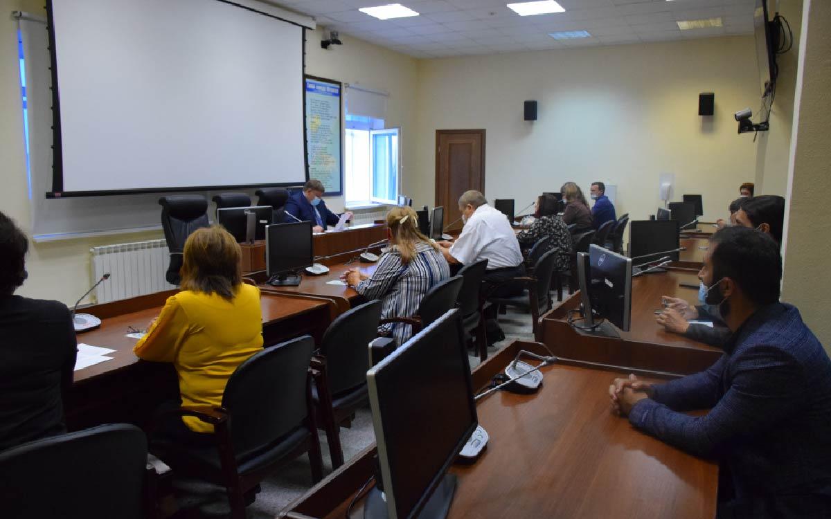 Накануне глава ЮгорскаАндрей Бородкинпровел заседание координационного совета по делам национально-культурных автономий и взаимодействию с религиозными объединениями города.