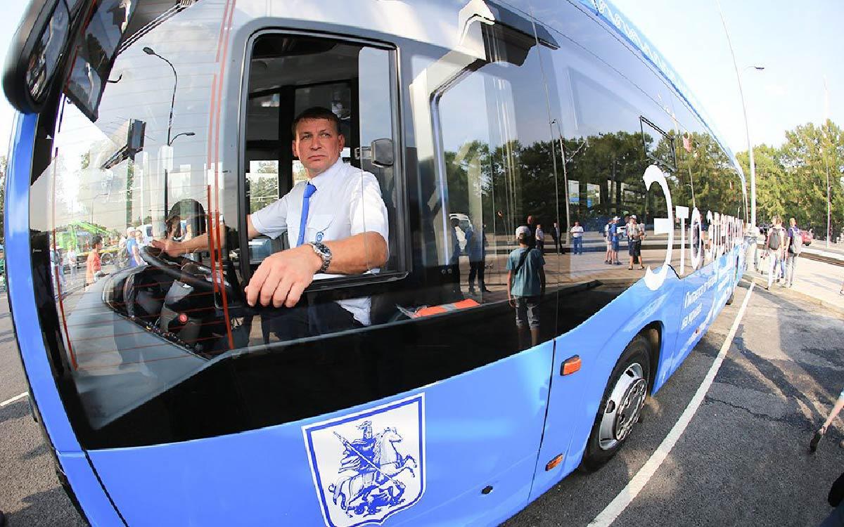 Внедрять электромобили в России начнут с автобусов, грузовиков и такси