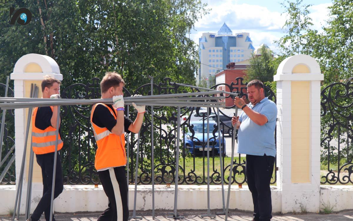 Формированием молодежных трудовых отрядов, занимающихся в летний период благоустройством городских территорий, «Гелиос» занимается с самого своего основания.