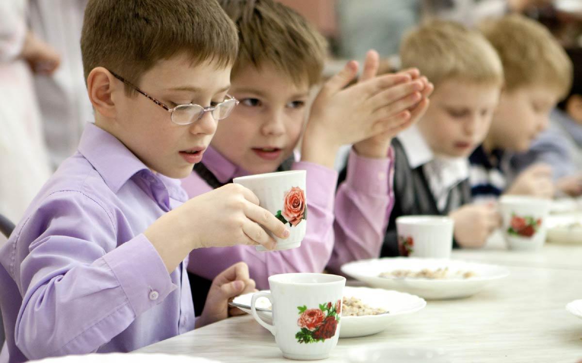 Уполномоченный при президенте РФ по правам ребенка Анна Кузнецова выступила с инициативой ведения федерального учета детей, нуждающихся в специальном питании. Минпросвещения РФ поддержало это предложение.