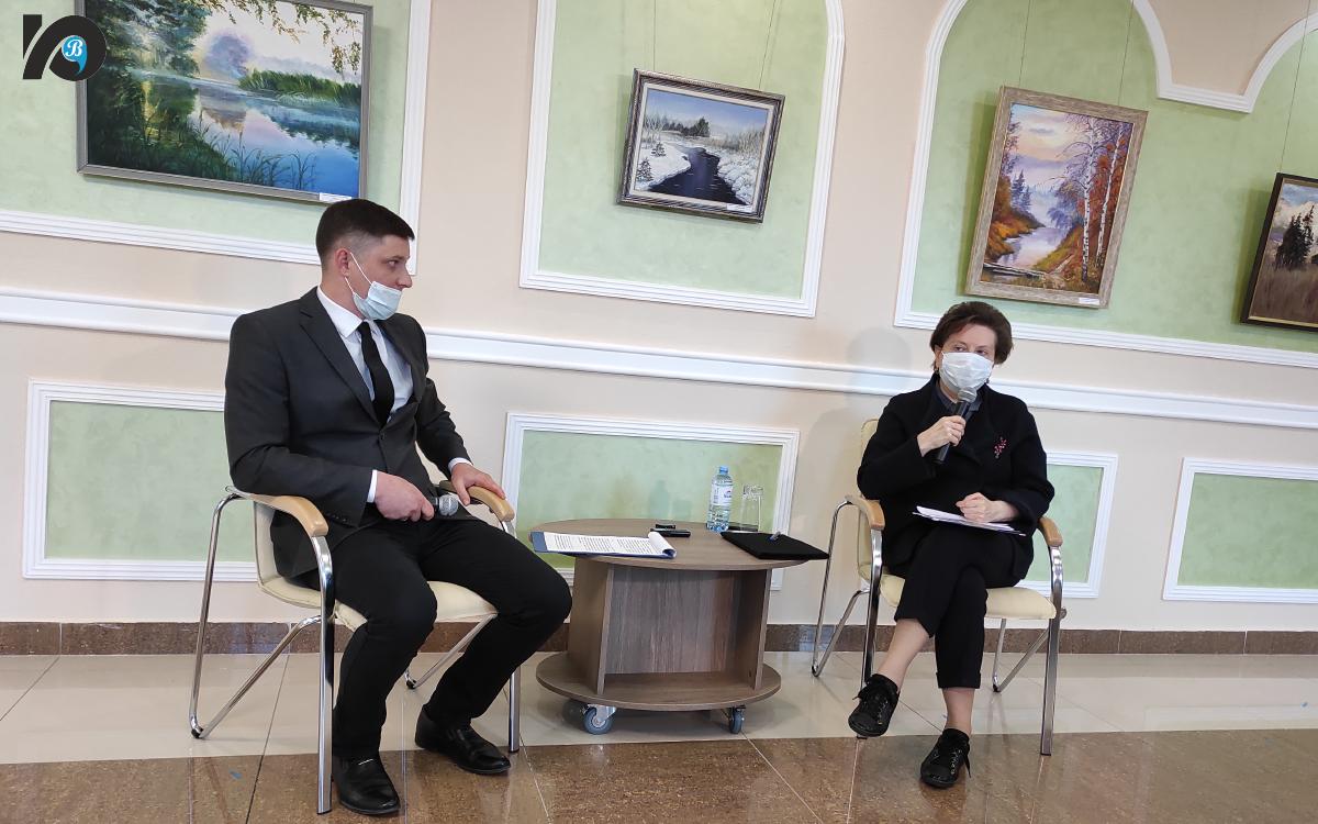 Югорск с рабочей поездкой посетила губернатор Наталья Комарова. То, чем гордится Югорск и что его отличает от других муниципалитетов, показали власти города главе региона