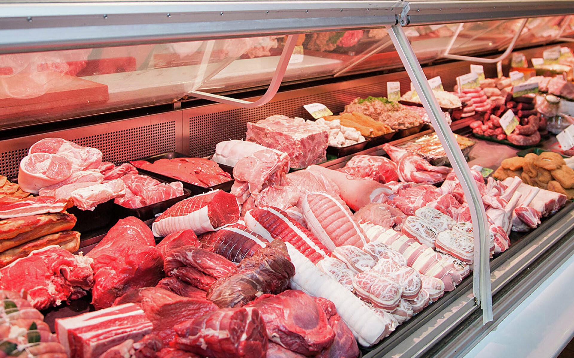 Внимание! «Горячая линия» по вопросам качества и безопасности мясной и рыбной продукции и срокам годности.