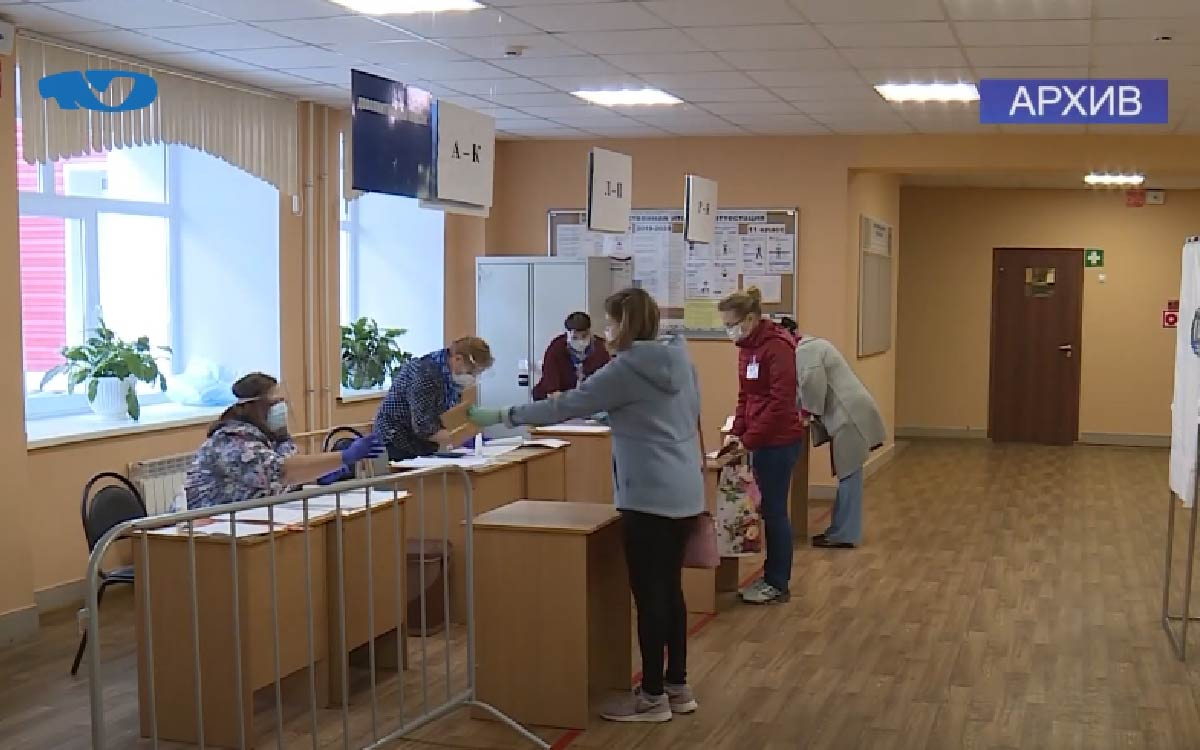 8 сентября все 22 участка в Югорске откроют свои двери для избирателей, а также с 9 сентября можно подать в участковую или территориальную избирательную комиссию заявку на голосование вне помещения.
