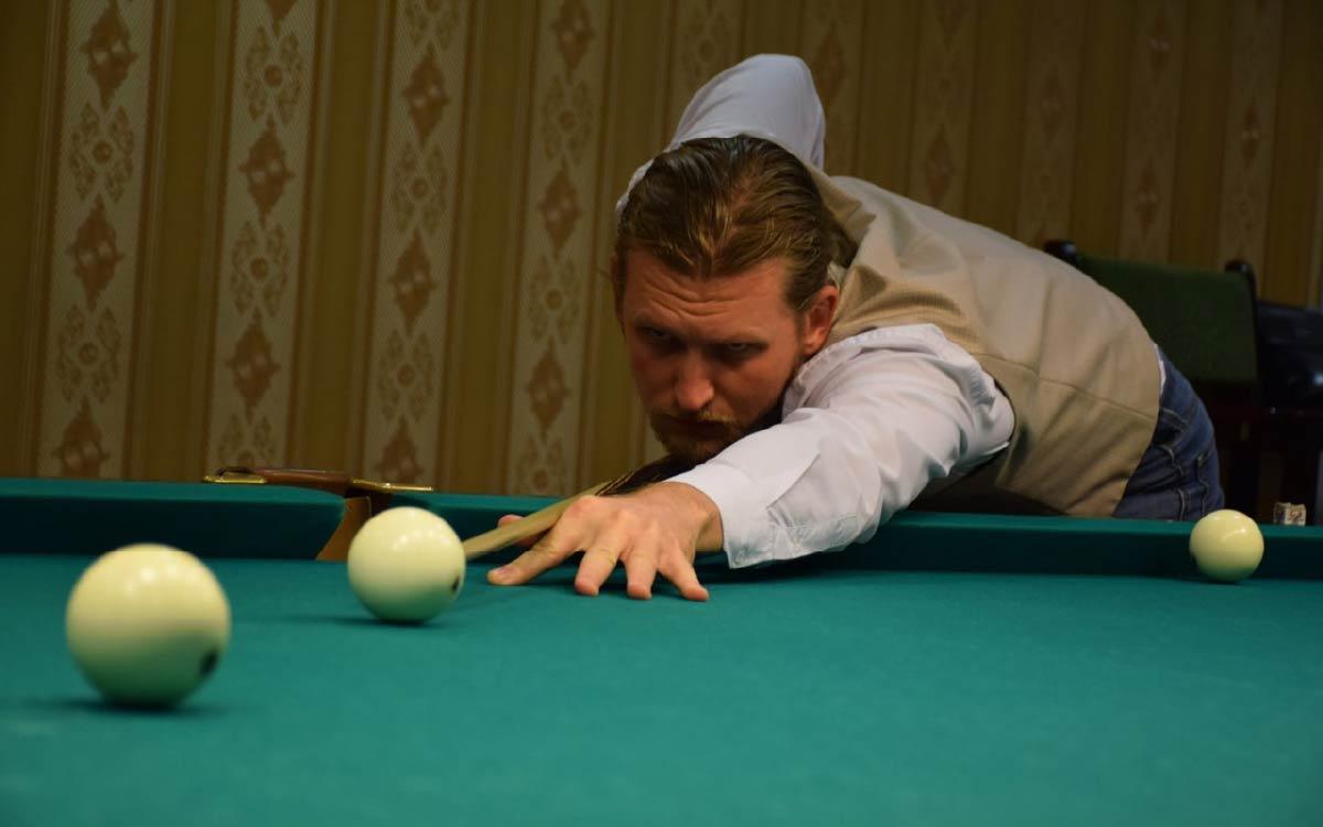 Андрей Бородкин открыл Кубок главы города по бильярдному спорту, посвящённому Дню города и Дню работников нефтяной и газовой промышленности.