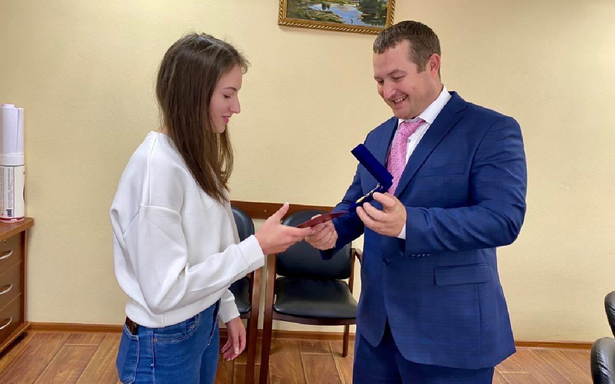 Марианна Маноилэ студентка Югорского политехнического колледжа обладатель Премии Губернатора Югры Лучшему студенту Югорск