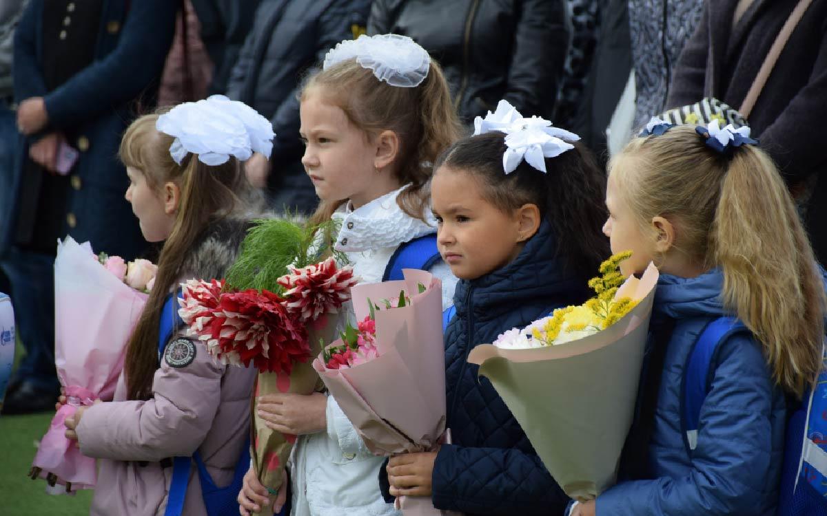 Школы Югорска открыли свои двери для 604 первоклассников