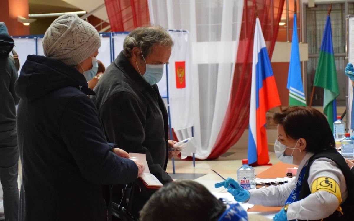 В Югорске на 18 сентября 20.00 проголосовали 10576 избирателей. Явка - 40,12%.