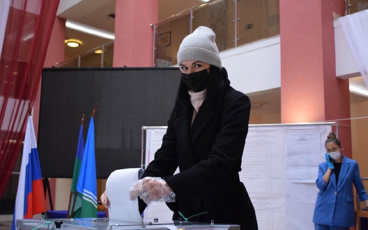 В Югорске на 18 сентября 20.00 проголосовали 10576 избирателей. Явка - 40,12%. 5