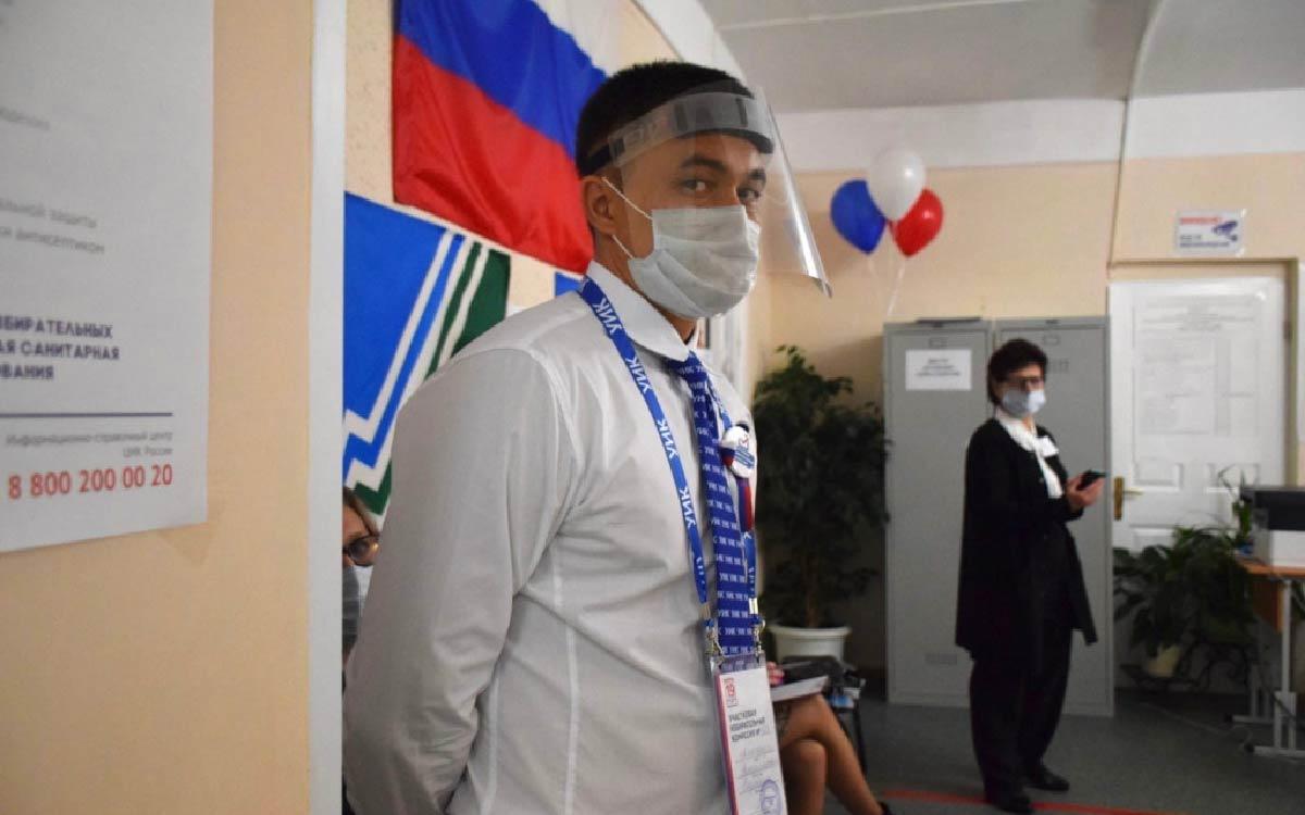 Третий день больших выборов. В Югорске открыто 22 избирательных участка, на которых трудятся 194 членов участковых избирательных комиссий. 2