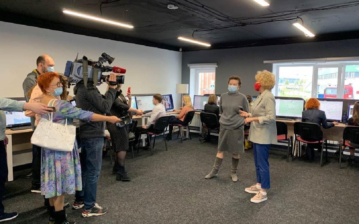 Губернатор Югры посетила центр общественного наблюдения