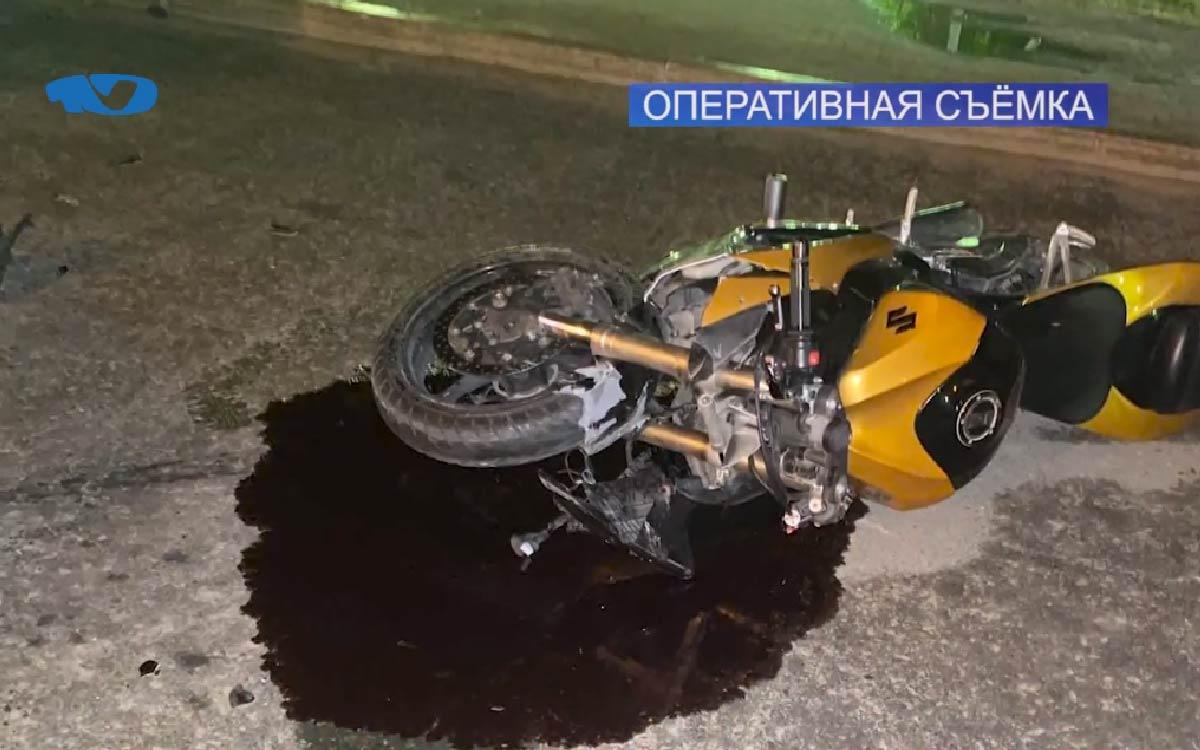 Без документов и ответственности – накануне в вечернее время мотоциклист стал виновником ДТП с тремя автомобилями. В результате аварии он получил травмы и был доставлен в больницу. Югорск