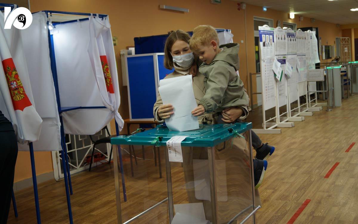 В Югорске состоялись «большие выборы». Голосование, продлившееся с 17 по 19 сентября, завершилось. Согласно официальным данным, за три дня в Югорске в нем приняли участие 14 850 человек, что составило 55,48 % от числа граждан, включенных в списки избирателей.