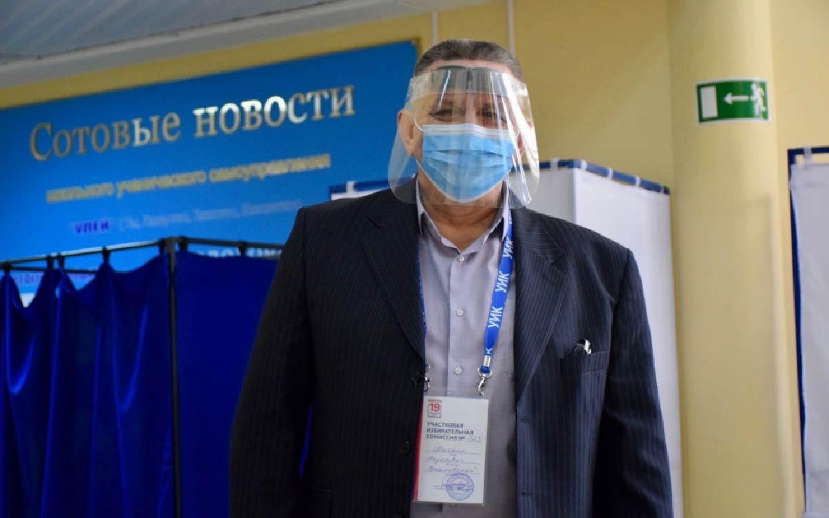 Третий день больших выборов. В Югорске открыто 22 избирательных участка, на которых трудятся 194 членов участковых избирательных комиссий. 7