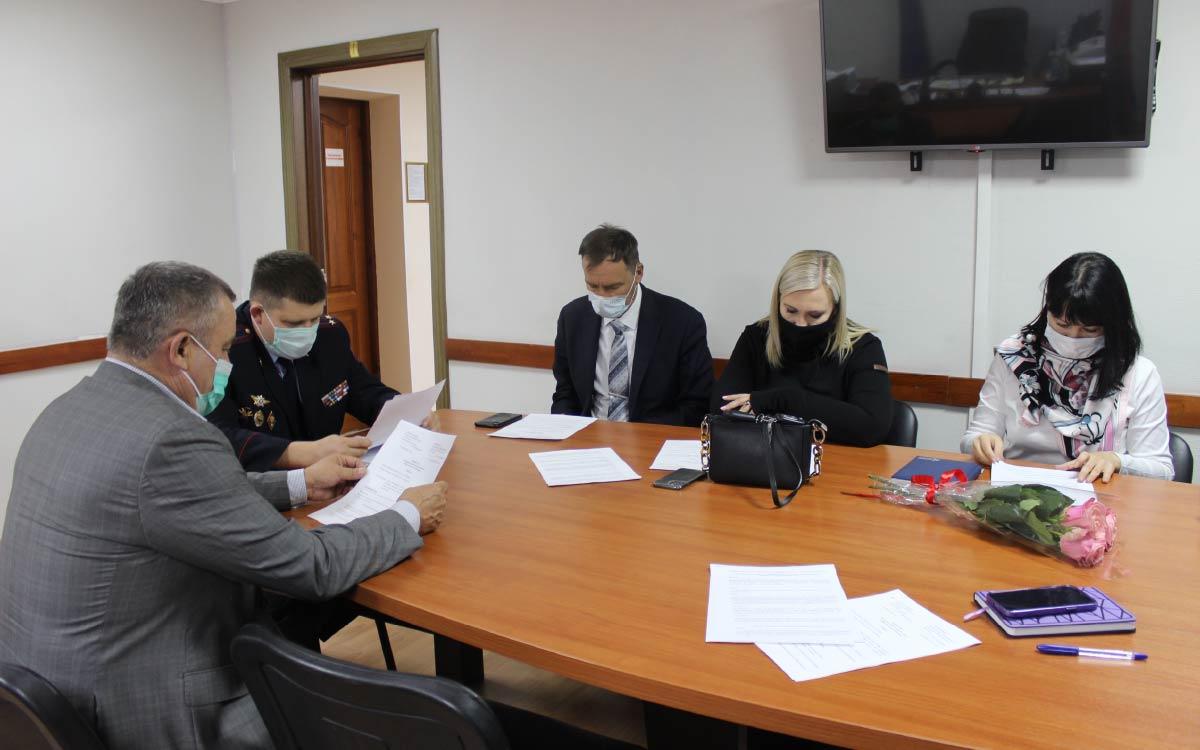 В ОМВД России по городу Югорску состоялось очередное заседание Общественного совета 1
