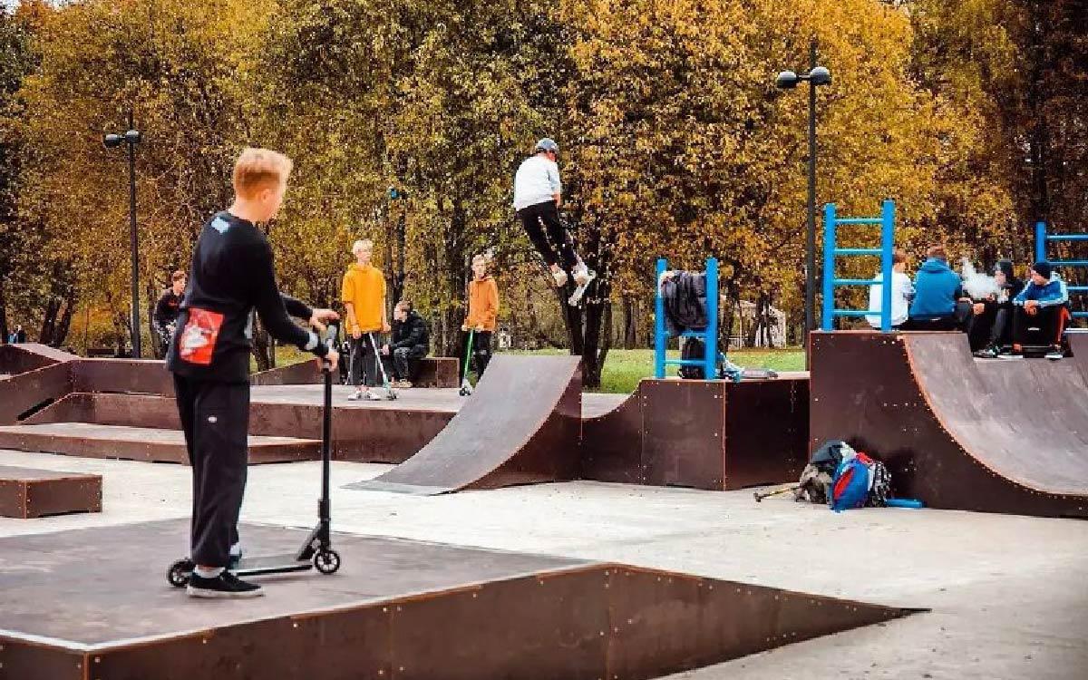 Скейт-парк для детей и молодёжи открылся в Коммунистическом