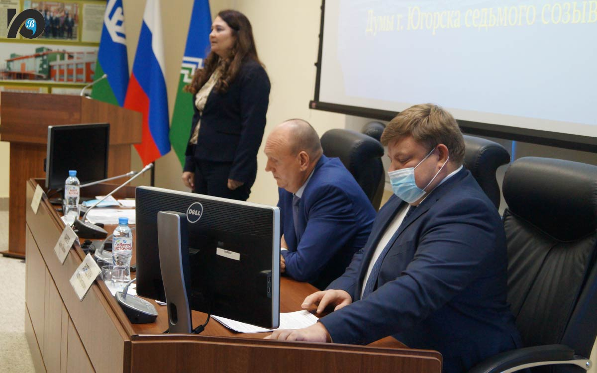 С завершением выборной гонки депутатов поздравили глава города Андрей Бородкин и председатель местного избиркома Оксана Лысова.