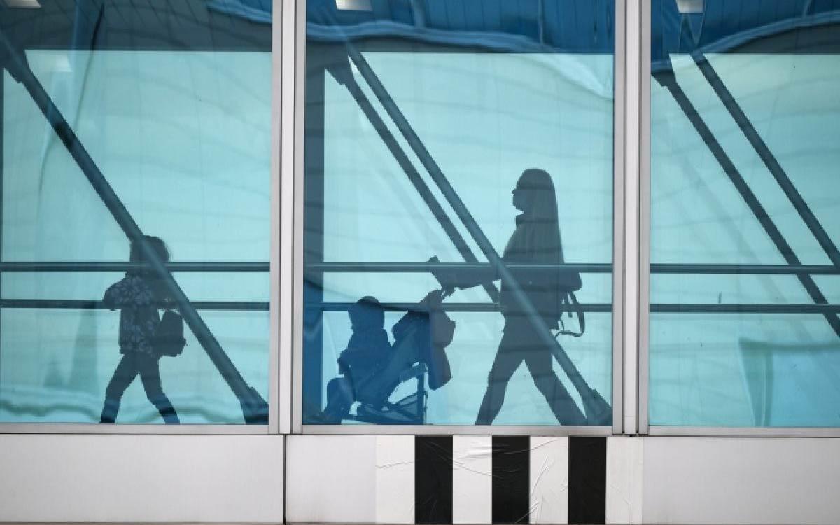 МВД утвердило изменения в правила выезда детей за границу